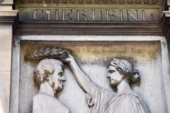 PARIJS, FRANKRIJK - MEI 2, 2016: Cherubinigraf in pere-Lachaise begraafplaats homeopaty stichter Stock Afbeelding