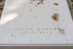 PARIJS, FRANKRIJK - MEI 2, 2016: Claude Chabrol-graf in pere-Lachaise begraafplaats homeopaty stichter Royalty-vrije Stock Foto's