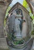 PARIJS, FRANKRIJK - MEI 2, 2016: De auteursgraf van Alphonse Daudet La chevre DE monsieur seguin in pere-Lachaise begraafplaats h Stock Foto's