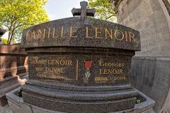 PARIJS, FRANKRIJK - MEI 2, 2016: George Lenoir-graf in pere-Lachaise begraafplaats homeopaty stichter Royalty-vrije Stock Afbeelding