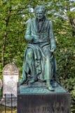 PARIJS, FRANKRIJK - MEI 2, 2016: Het graf van Vivantdenon in pere-Lachaise begraafplaats homeopaty stichter Stock Foto