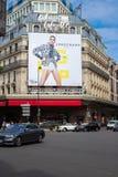 PARIJS, FRANKRIJK - MEI 25, 2019: Lafayette Galeries in Parijs op Boulevard Haussmann Galeries Lafayette zijn het populairste win stock fotografie