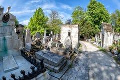 PARIJS, FRANKRIJK - MEI 2, 2016: oude graven in begraafplaats pere-Lachaise Stock Afbeelding