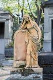 PARIJS, FRANKRIJK - MEI 2, 2016: oude graven in begraafplaats pere-Lachaise Royalty-vrije Stock Afbeeldingen