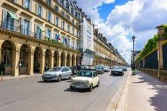 Parijs, Frankrijk - Mei 2, 2017: Verkeersvoorwaarden op Rivoli-straat Stock Fotografie