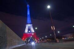 parijs frankrijk 24 NOV., 2015: Het verlichte omhoog verstand van Eiffel toren Stock Fotografie