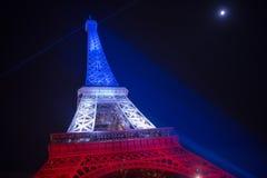 parijs frankrijk 24 NOV., 2015: Het verlichte omhoog verstand van Eiffel toren Stock Foto's