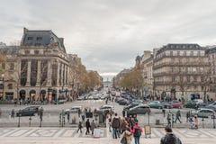 PARIJS FRANKRIJK - 24 NOVEMBER, 2012: La Madeleine Madeleine Church Area in Parijs, Frankrijk Royale Street rue royalty-vrije stock foto