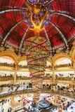 Parijs Frankrijk, November 2014: Vakantie in Frankrijk - Lafayette Galeries tijdens de winterkerstmis Royalty-vrije Stock Fotografie
