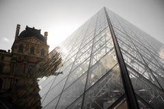 PARIJS, FRANKRIJK - OKTOBER 20, 2017: Louvre Het Louvre is het museum van de wereld` s grootste kunst en het historische monument royalty-vrije stock foto's