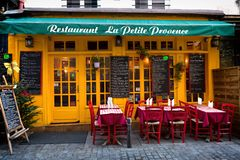 Parijs, Frankrijk, Restaurantla de Tengere Provence, 11 12 2016 - leeg Stock Fotografie