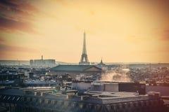 PARIJS, FRANKRIJK - September 24, 2013: mooie mening over het Slepen van Eiffel Stock Foto's