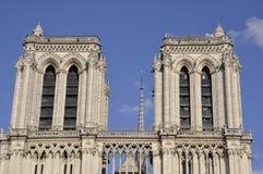 Parijs, 17 Juli: De torens van Notredame cathedral van Parijs in Frankrijk Stock Fotografie