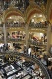 Parijs, 15 Juli: Het binnenland van Lafayette Galeries van Parijs in Frankrijk Royalty-vrije Stock Foto's