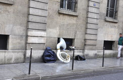 Parijs, 19 Juli: Het instrument van de straatmusicus van Parijs in Frankrijk Stock Fotografie