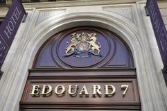 Parijs, 15 Juli: Hotel Edouard 7 Sigla van de weg van Champs Elysees in Parijs Stock Fotografie