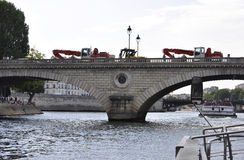 Parijs, 18 Juli: Pont Louis Philippe over Zegen van Parijs in Frankrijk Royalty-vrije Stock Afbeeldingen