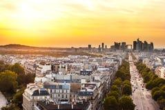 Parijs, La-Defensie bij zonsondergang Stock Foto
