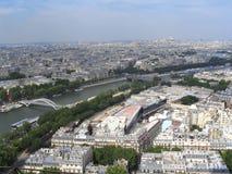 Parijs - mening bij de hoogste toren van Eiffel stock foto's