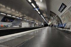 Parijs, Metro Post Stalingrad Stock Foto's