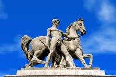 Parijs, standbeeld op trocadero stock afbeeldingen