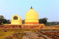 Parinirvana Stupa lizenzfreie stockfotos