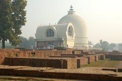 Parinirvana Stupa und Tempel, Kushinagar, Indien stockbilder