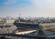 paris вид с воздуха на крышах стоковое фото rf