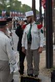 paris Франция 14-ое июля 2012 Пионеры делают подготовки для парада на Champs-Elysees в Париже Стоковые Изображения