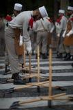 paris Франция 14-ое июля 2012 Пионеры делают подготовки для парада на Champs-Elysees в Париже Стоковое Изображение