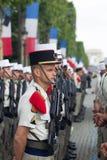 paris Франция 14-ое июля 2012 Ряды чужих legionaries во время времени парада на Champs-Elysees Стоковые Фото