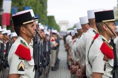 paris Франция 14-ое июля 2012 Ряды чужих legionaries во время времени парада на Champs-Elysees Стоковое фото RF