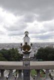 Paris august 19,2013-Binocular från basilikan Sacre Coeur i Paris Royaltyfri Fotografi