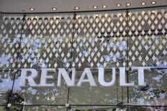 Paris august fönster för visningslokal 20-Renault i Paris Arkivbild