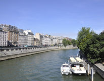 Paris august 15,2013-Quays av Seinet River i Paris Royaltyfri Bild