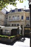 Paris august 20-Restaurant Louis XXV i paris Arkivfoto