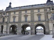Paris august utgång för borggård 18,2013-Louvre Arkivfoton