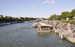 Paris august 19,2013-View av Seine River i Paris Royaltyfri Fotografi