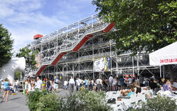 Paris Augusti 17,2013-Georges Pompidou mitt Arkivfoto