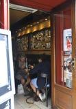 Paris Augusti 19,2013-Restaurant i Montmartre i Paris Fotografering för Bildbyråer