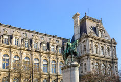 Paris city hall and statue Stock Photography