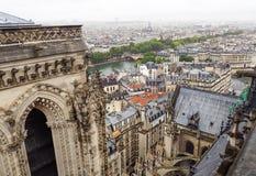 Paris Cityscape från överkant av Notre Dame fotografering för bildbyråer