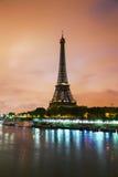 Paris cityscape med Eiffel står hög Arkivbild
