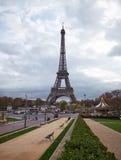 Paris cityscape med Eiffel står hög Royaltyfri Bild