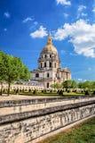 Paris com Les Invalides durante o tempo de mola, marco famoso em França Foto de Stock Royalty Free