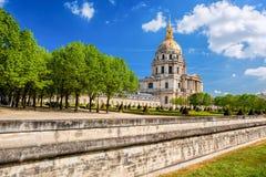 Paris com Les Invalides durante o tempo de mola, marco famoso em França Fotografia de Stock
