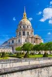 Paris com Les Invalides durante o tempo de mola, marco famoso em França Fotos de Stock Royalty Free