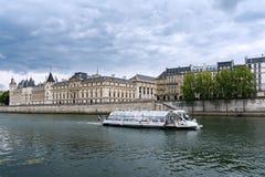 Paris - Conciergerie et palais de justice Images stock
