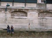 Paris-Damm von der Seine Lizenzfreies Stockfoto
