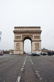 PARIS 10 DE JANEIRO: Arc de Triomphe em janeiro 10,2013 em Paris Imagens de Stock